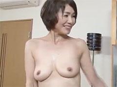 おばさんの垂れ乳