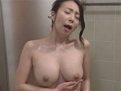シャワーでオナニー